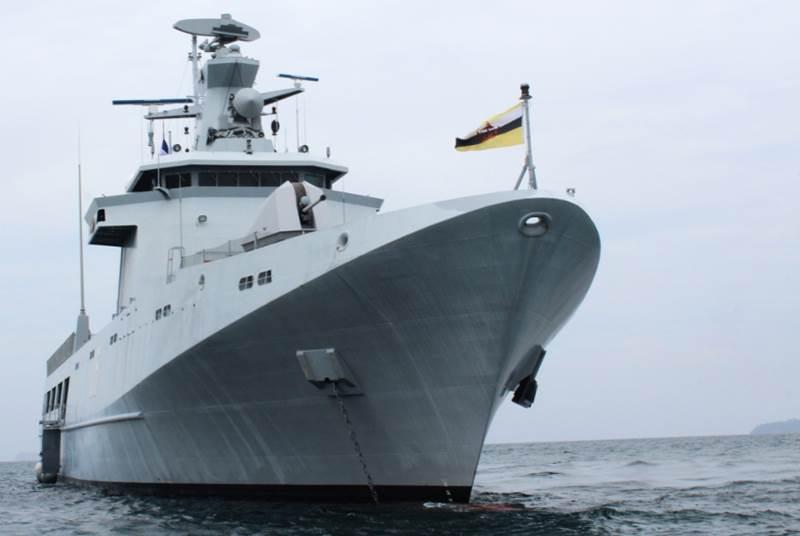 На Пхукете причалил боевой корабль флота Брунея