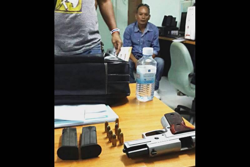 Полиция задержала тайца, пытавшегося впечатлить девушек пистолетом