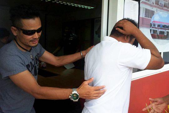 Волонтера полиции подозревают в изнасиловании бирманок