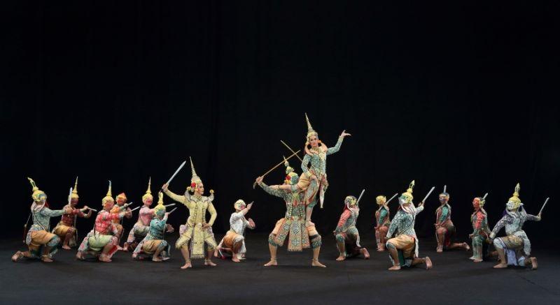 Древняя традиция: Театр на церемонии Королевской кремации