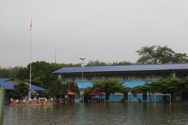 Наводнение в Наратхивате. Фото: Waedao Harai / Bangkok Post