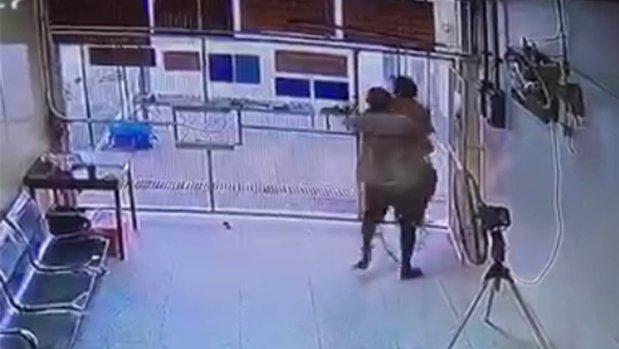 Трое задержанных сбежали из здания суда в Паттайе