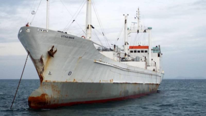 Задержанное в водах Пхукета браконьерское судно отправят на слом в Бангладеш