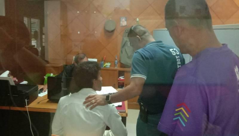Задержанный сбежал из полицейского участка Чернг-Талей через незапертое окно туалета. Фото: Иккапоп Тхонгтуб