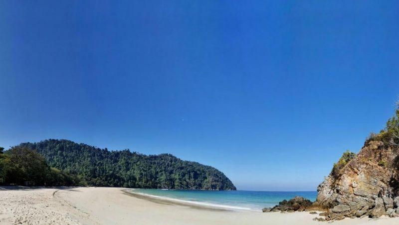 Пустынные пляжи, девственная природа, две деревни морских цыган. Именно такой он, остров Пила. Фото: Pongpet Mekloy / Bangkok Post